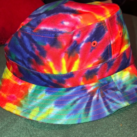 83852a0689 A rainbow bucket hat. NWT. Nike